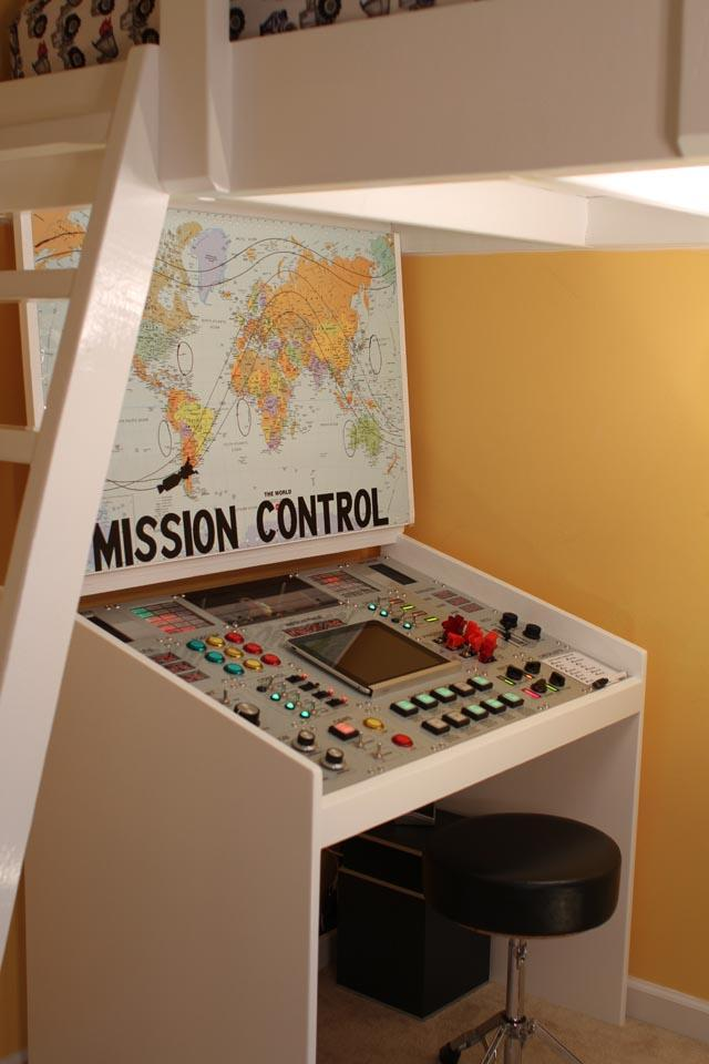 Dad Creates a Homework Desk For His Son That Conceals an Ellaborate NASA Mission Control Console