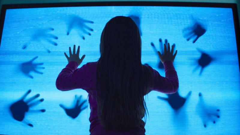 sneak peek poltergeist reboots for 2015 terror