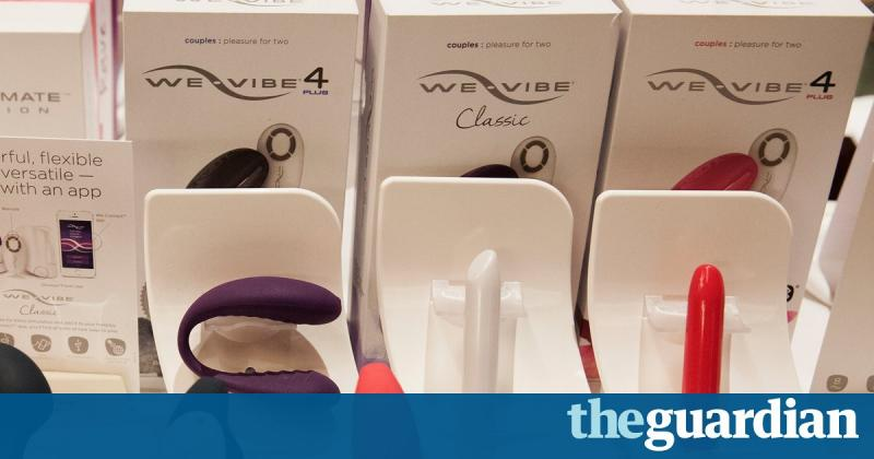 We-Vibe vibrator shares how hot you are with mother ship