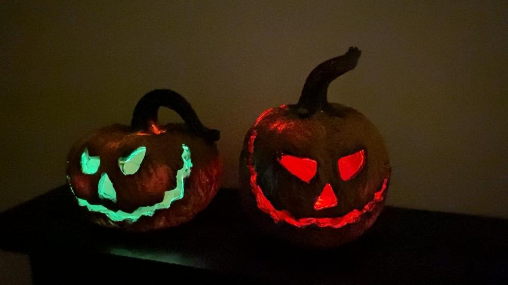 Mini jack-o-lanterns